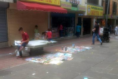 Pedestales de hormigas del Paseo del Comercio de Bucaramanga ya fueron invadidos