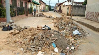 Denuncian abandono de escombros de una obra en Piedecuesta