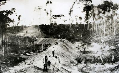 Imágenes de hace un siglo cuando en Barrancabermeja se extrajo por primera vez petróleo en Colombia