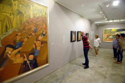 En el Centro Colombo Americano en Bucaramanga, se encuentra expuesta parte de la colección 'Donación 2004-2005' de Botero: Testimonio de la violencia en Colombia.