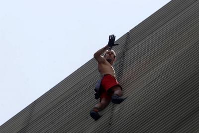 El 'Spiderman ruso' fue arrestado tras escalar un edificio en Medellín