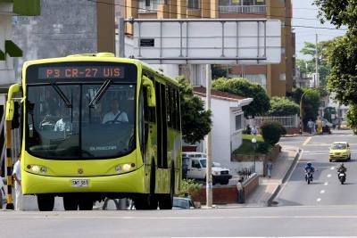"""""""Se baja o la reviento"""": Pasajera denuncia agresión de conductor de Metrolínea"""