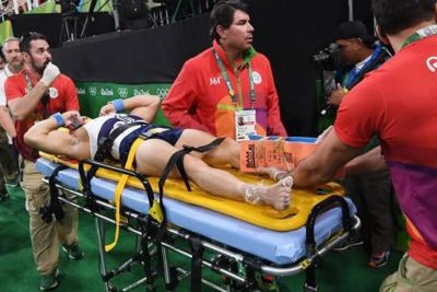 Espeluznante lesión del francés Samir Ait Said