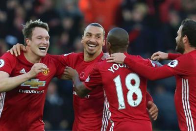 Vea los goles con los que Manchester United ganó al Swansea