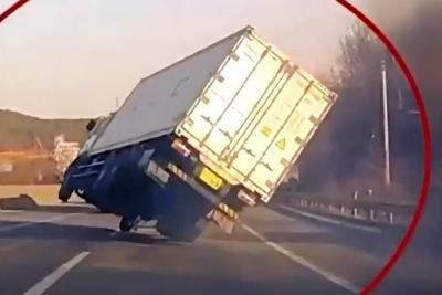 Vea la cinematográfica maniobra de un conductor para evitar un accidente