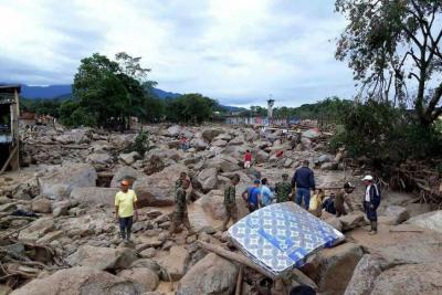 Aumenta a 210 las personas muertas por avalancha en Mocoa