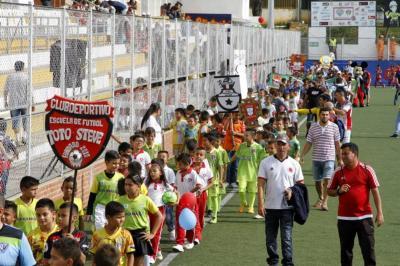 Reviva la inauguración del torneo Interbarrios de Futsal en Bucaramanga