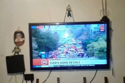 Videos registraron momento en que fuerte sismo sacudió el centro de Chile