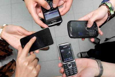Este lunes habrá bloqueo masivo de celulares por no registrar el IMEI