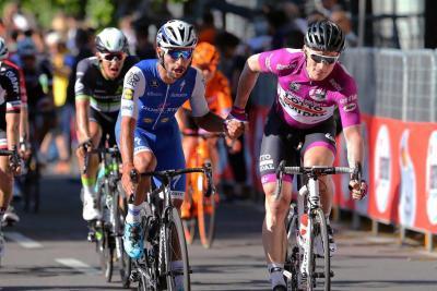 Gaviria quiere mantener este viernes la camiseta de puntos en el Giro de Italia