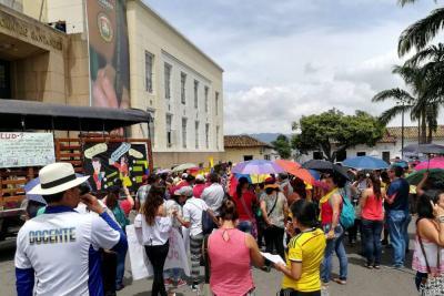Docentes de Bucaramanga marcharían hacia Bogotá en continuidad con el paro nacional