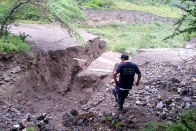 Carretera de Santander se partió en dos e incomunicó municipios