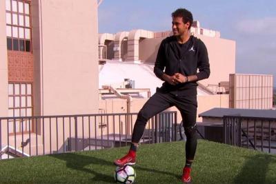 Este fue el impresionante gol que hizo Neymar entre dos edificios