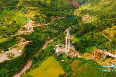 Así luce desde un drone el puente más alto del país, que se construye en Santander