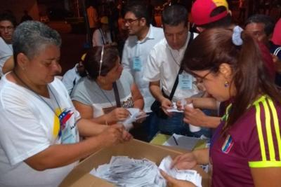 5.039 venezolanos votaron en Bucaramanga contra constituyente de Nicolás Maduro