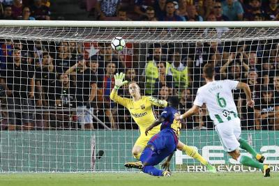 Barcelona derrotó 2-0 al Betis en la primera fecha de la Liga española