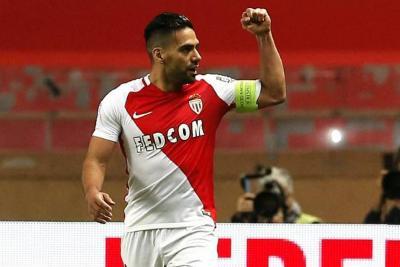 Vea el doblete de Falcao en la victoria 6-1 del Mónaco ante el Marseille