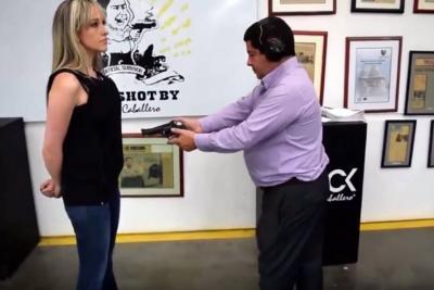 Colombiano fabricante de ropa blindada le dispara a su esposa para probar su producto