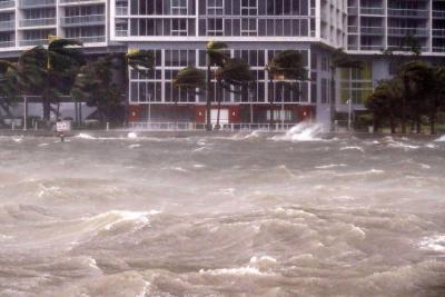 Los impresionantes videos de Florida azotada por el huracán Irma
