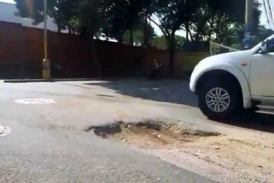 Apareció cráter que pone en riesgo a conductores en Bucaramanga