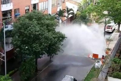 Video registró rotura de un tubo de acueducto que afectó tránsito en Bucaramanga