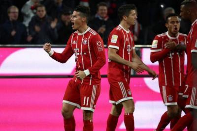 Con gol de James Rodríguez, Bayern Múnich vence 2-0 al Leipzig