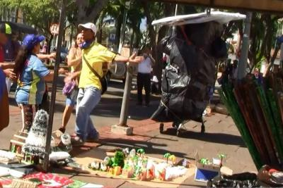 Vendedores de la plaza cívica piden volver a las calles de Bucaramanga