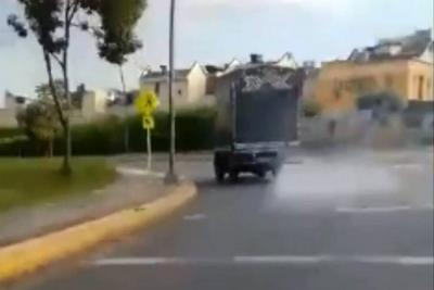 Denuncian vehículo contaminante en Bucaramanga