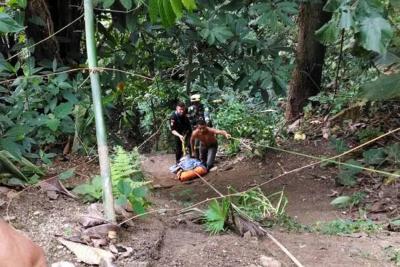 Rescatan a hombre que cayó a un abismo de 50 metros en Floridablanca