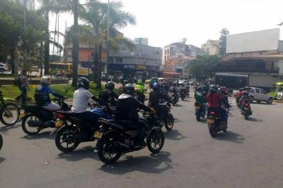 Motociclistas protestaron en Bucaramanga por alza en las tarifas del Soat
