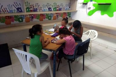 Niños víctimas del conflicto buscan útiles escolares en Bucaramanga