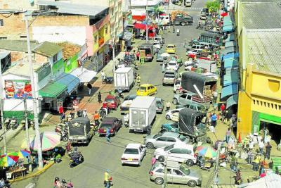 El caos rodea las plazas de mercado de Bucaramanga