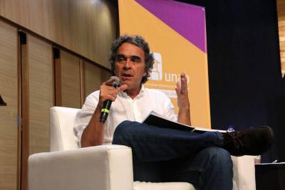 Reviva el foro con Sergio Fajardo en Bucaramanga
