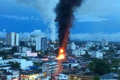 A $800 millones ascenderían las pérdidas de incendio en papelería de Barrancabermeja
