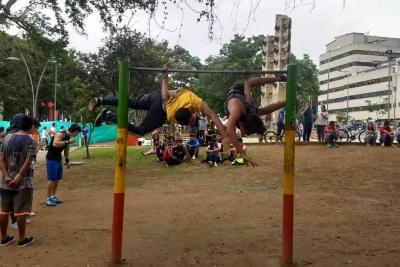 El 'street workout', un deporte que cada día crece en la calles de Bucaramanga