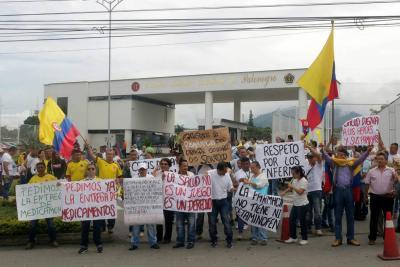 """Militares protestan en Bucaramanga por """"pésima atención en salud"""""""