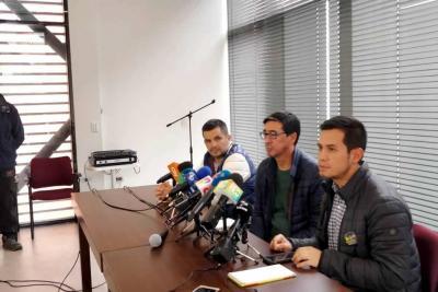 'Pedimos ayuda en la recuperación de los cuerpos': familiares de periodistas ecuatorianos