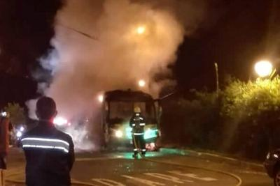Incendio de un bus causó pánico en Floridablanca
