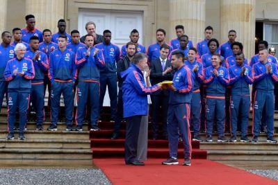 Así fue la entrega del Pabellón a la Selección Colombia