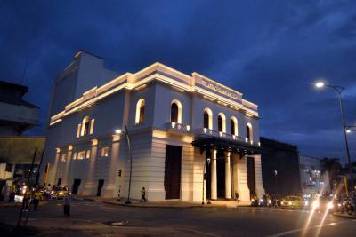 Así se encendió el Teatro Santander