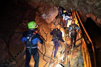 Así es el rescate de los niños atrapados en una cueva en Tailandia