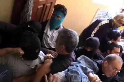 'Parapolicías' irrumpieron en iglesia y agredieron a obispos de Nicaragua