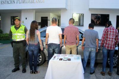 Se hacían pasar por Policías y delinquían en carro de lujo en Bucaramanga