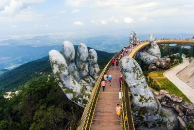 Así es pasear de la 'mano' de los dioses entre las montañas de Vietnam