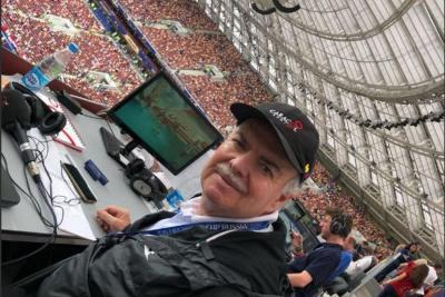 Unab rindió un homenaje al periodista Iván Mejía