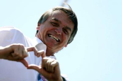 Jair Bolsonaro, candidato presidencial de Brasil, fue apuñalado durante mitin