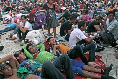 La caravana migrante continúa su éxodo y alza la voz contra Gobierno mexicano