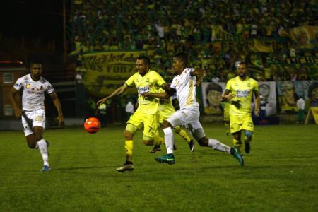 Los futbolistas se mostraron inconformes con el cambio de balón en las instancia finales del balompié colombiano.