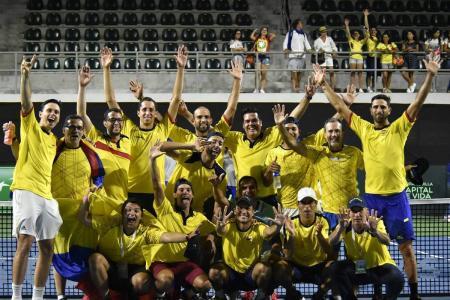 La Copa Davis dejó atrás su tradicional formato de competición de cuatro fines de semana y se jugará en una sola, con sede única y 18 equipos, como había propuesto la empresa Kosmos, que preside el jugador del FC Barcelona Gerard Piqué. Colombia estará en el Grupo Mundial.