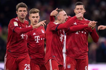 Bayern Múnich superó 3-0 al Nuremberg y asumió el segundo lugar de la Liga alemana, detrás del Borussia Dortmund, que no afloja en la primera posición.